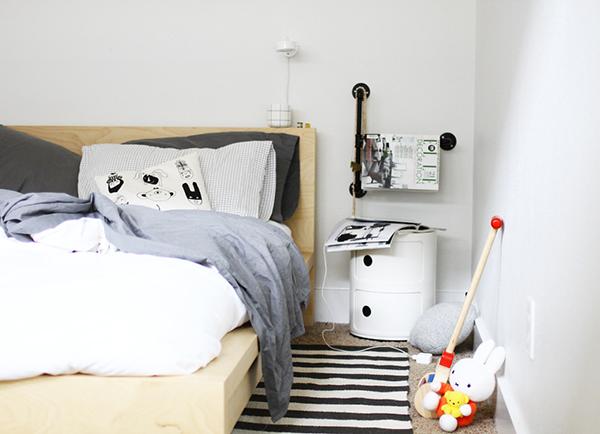 monday mess a merry mishap la la lovely. Black Bedroom Furniture Sets. Home Design Ideas