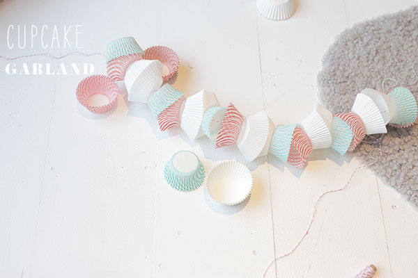 cupcake liner garland via la la lovely