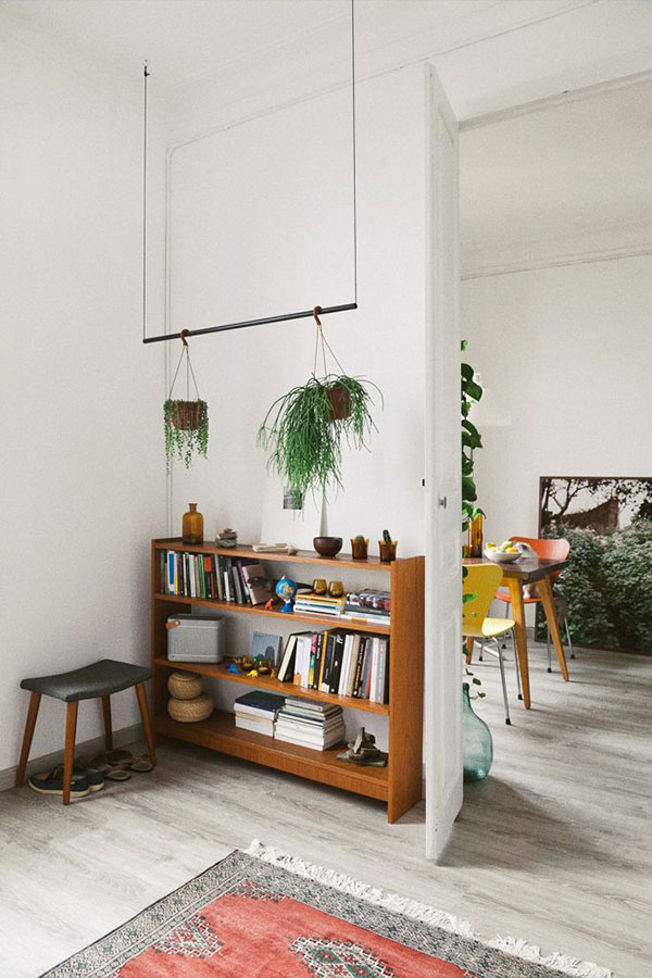 plant hanger via la la lovely