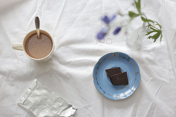 tea-and-chocolate-via-la-la-lovely
