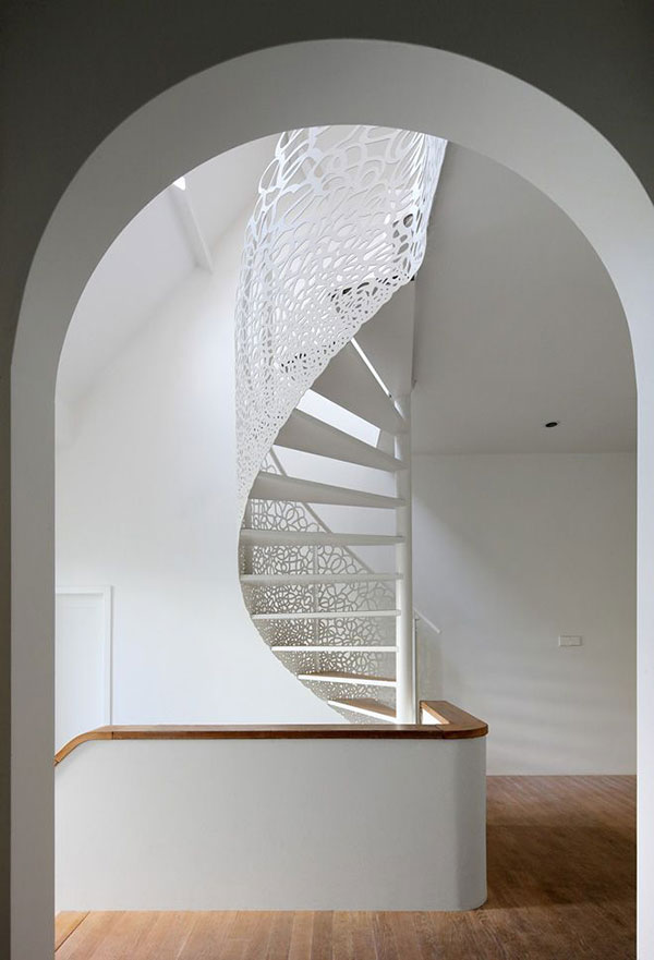 modern-ornate-staircase-la-la-lovely