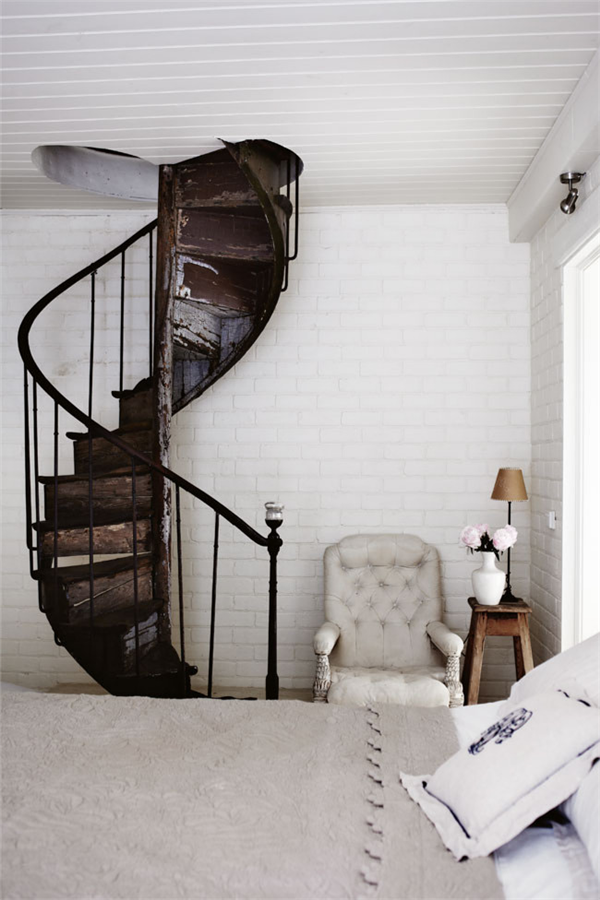 spiral staircase la la lovely