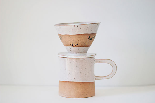 la-la-loving-martina-thornhill-pour-over