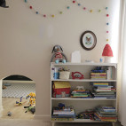 rocco's room with valspar (before)
