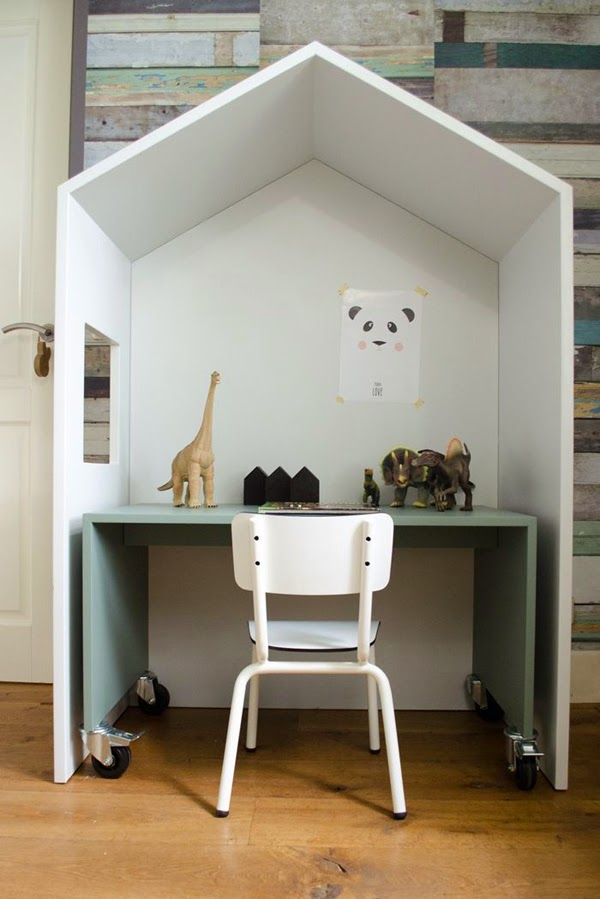 la la loving house desk
