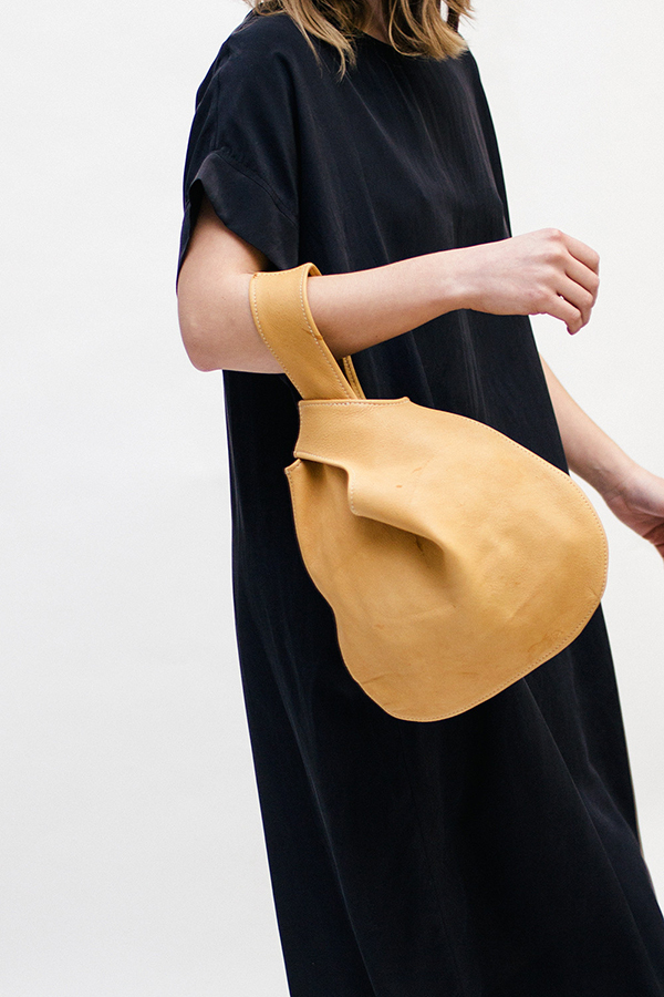 la-la-loving-knot-bags