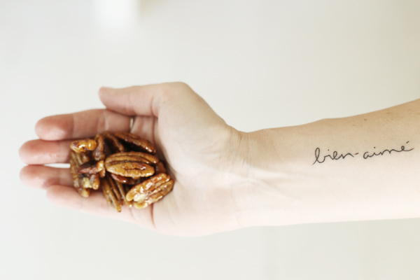 Clean Candied Pecan Recipe | La La Lovely Blog