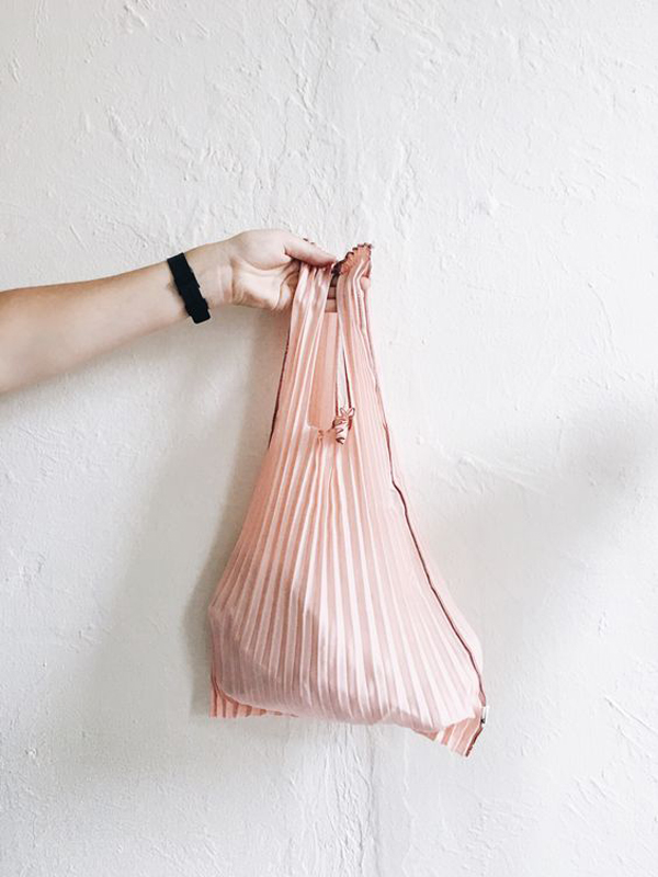 La La Loving Pleated Pink Bag