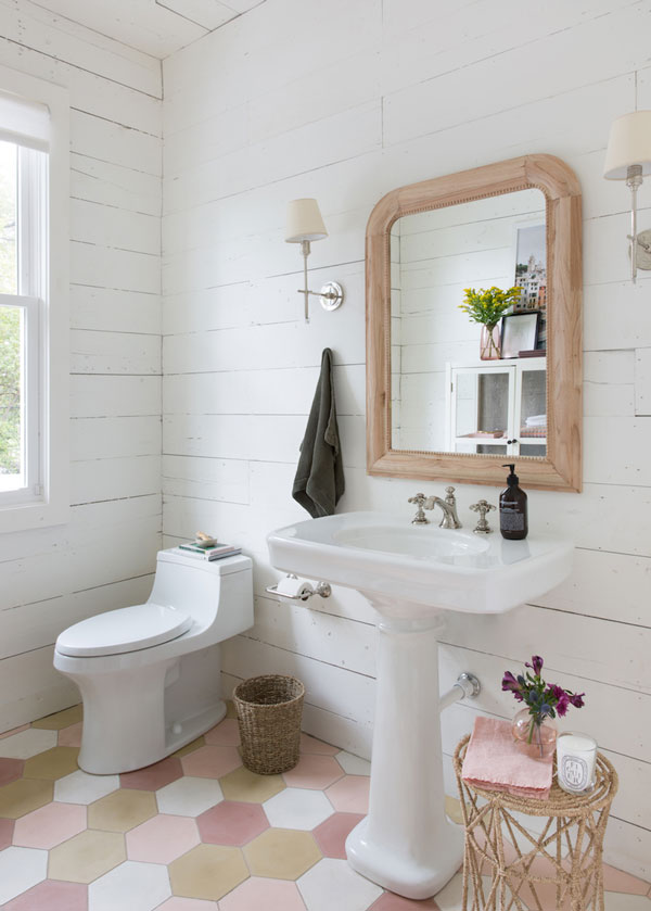La La Loving | Pink Bathroom
